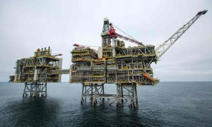 BP PLATFORM LEAKS 95 TONS OF OIL INTO NORTH SEA